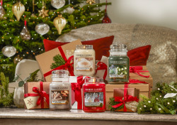 The Perfect Christmas_Group_Tree_Landscape